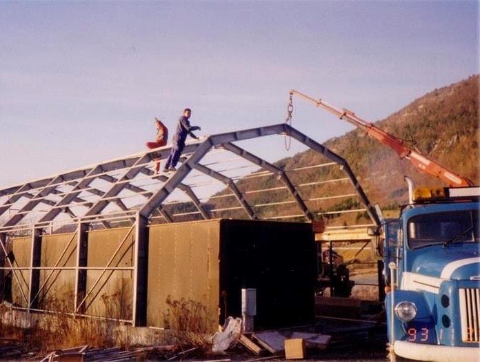 En 1993 GS Bildeler ouvre son premier entrepôt à Bud, sur la côte ouest de la Norvège.