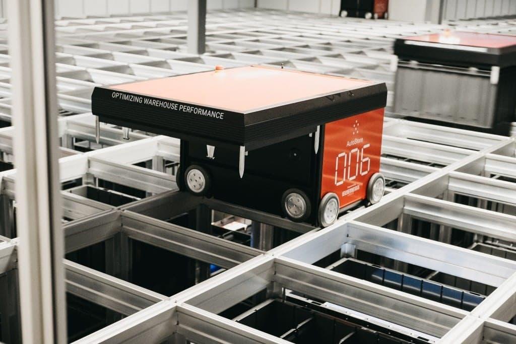 Le nouvel entrepôt d'Oslo utilise 10 robots opérant 20 000 bacs.